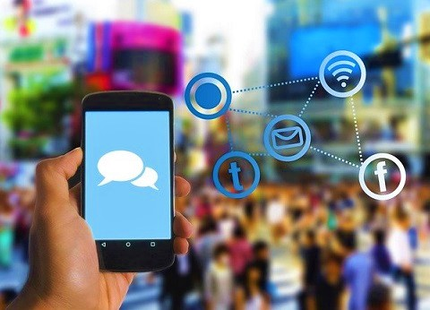 Using business mobile app for building and nurturing customer relationship